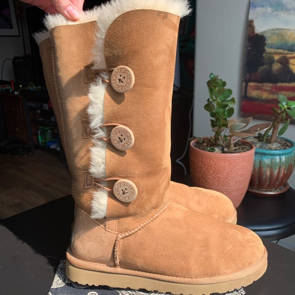 Authentic Ugg Bailey Button Triplet